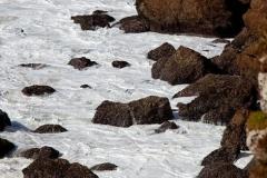 Das Meer und die Felsen, die Algarve in Portugal.
