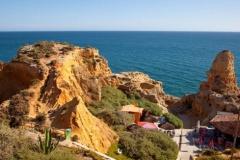 Einer der Orte, an denen viele Touristen kommen in der Algarve.
